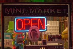 beach market window - 20140706-BER_4391 -_