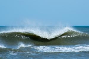 cresting wave - 20140704-BER_3934 -_